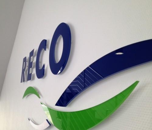 3D Acryl Logo RECO (8mm GS Rückseitig foliert)